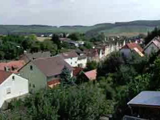 die weiteren Aussichten... Blick über Himmelstadt zu den Weinbergen